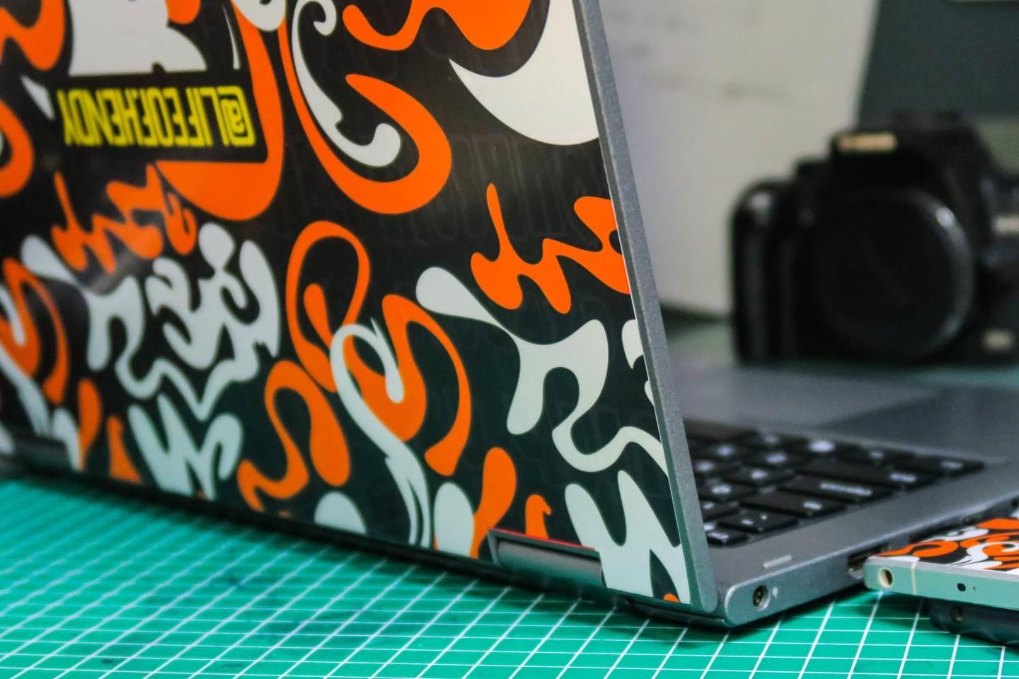 sticker vinyl laptop by h3ndy