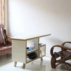 Console atau Coffee Table