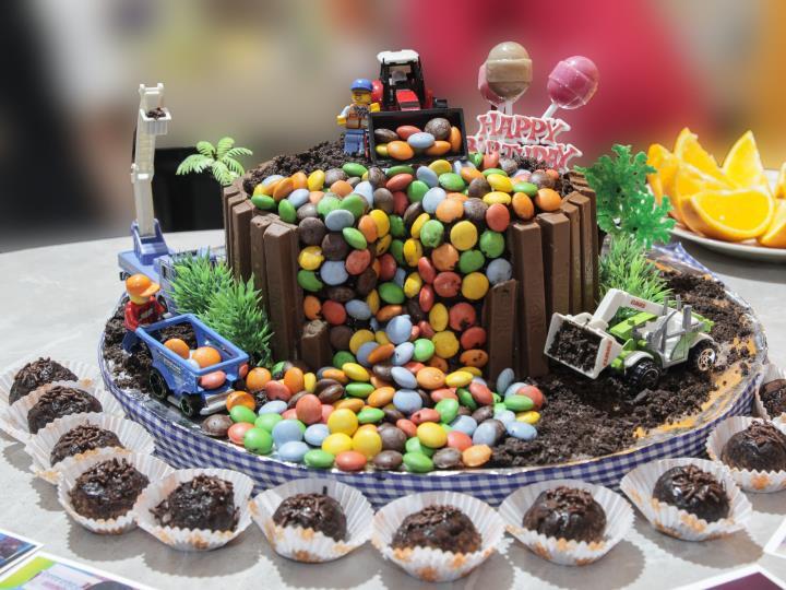 desain kue ultah anak cake desain
