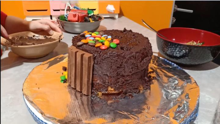 Desain Kue Ulang Tahun Ketika Lockdown 3 H3NDY