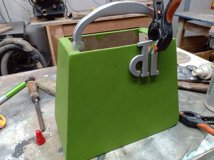 Desain Vas Bunga Bentuk Tas Fashion 5 H3NDY